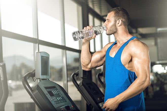 prendre muscle rapidement boire eau